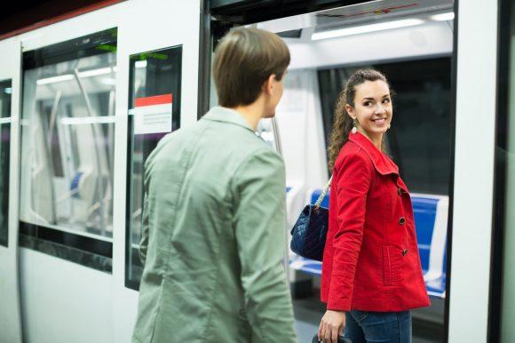 Spontanes Ansprechen in öffentlichen Verkehrsmitteln, z.B. in der Bahn