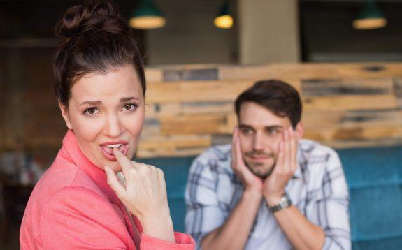Das Date war für sie beschissen, sie fand den Mann und das Treffen nicht gut