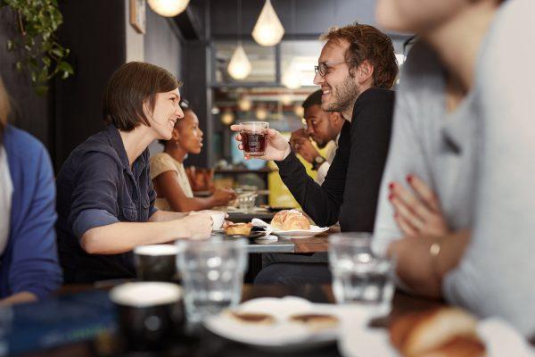 Erstes Date: Treffen zum Kaffee trinken